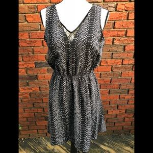 NWOT Dex Sleeveless Dress
